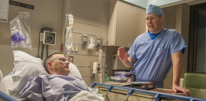 knee replacement doctor